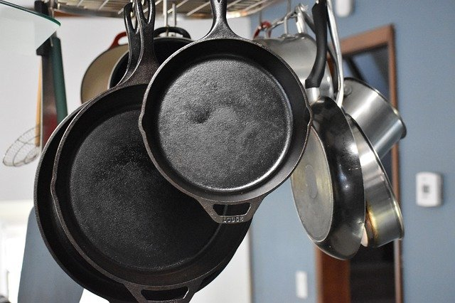 Carbon Steel vs Stainless steel pans